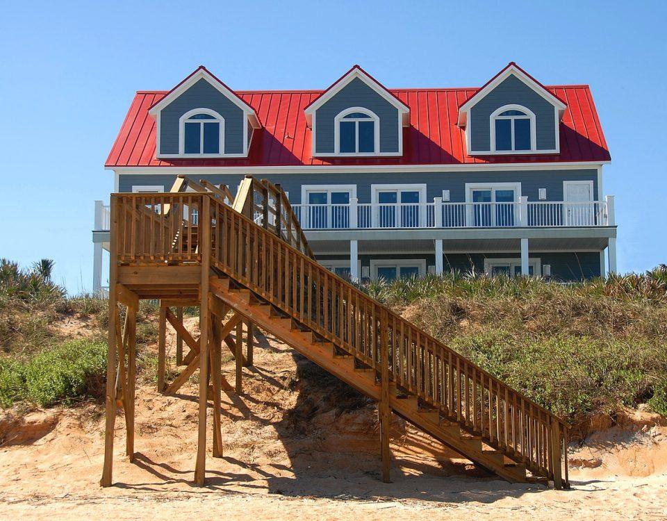 beach-front-1624622_1280